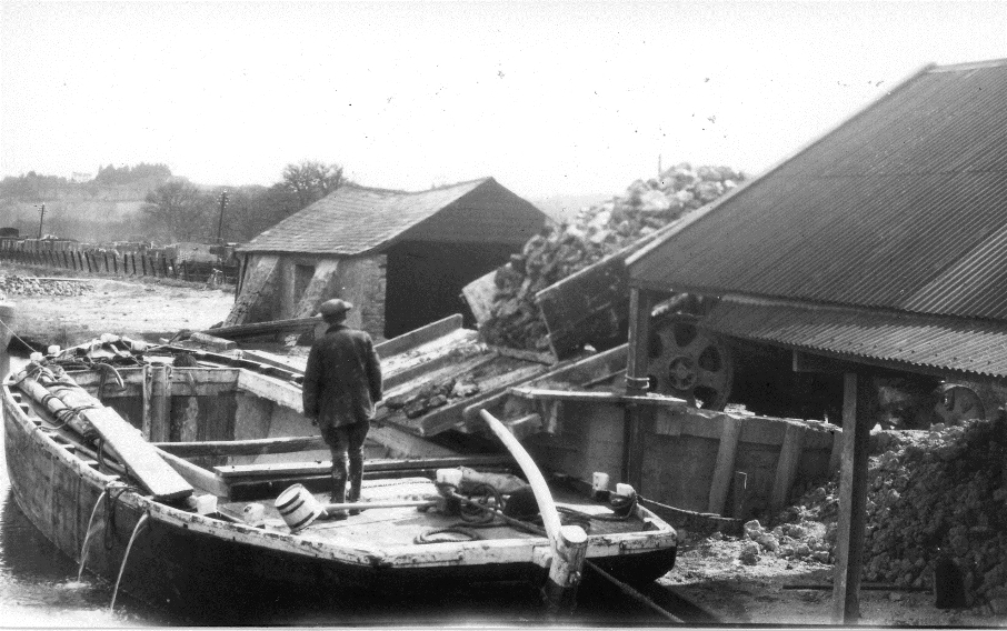 Barge 4.jpg